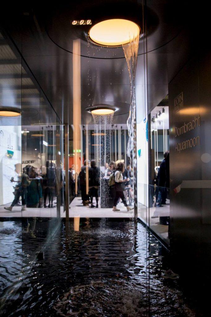 Dornbracht ofrece una funcionalidad de lujo en el uso profesional de fregaderos inteligentes que, además, destacan por su minimalista y escultural estética.