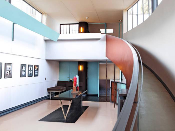 Leicht_Les-Couleurs-Le-Corbusier_Lunes-En-Color