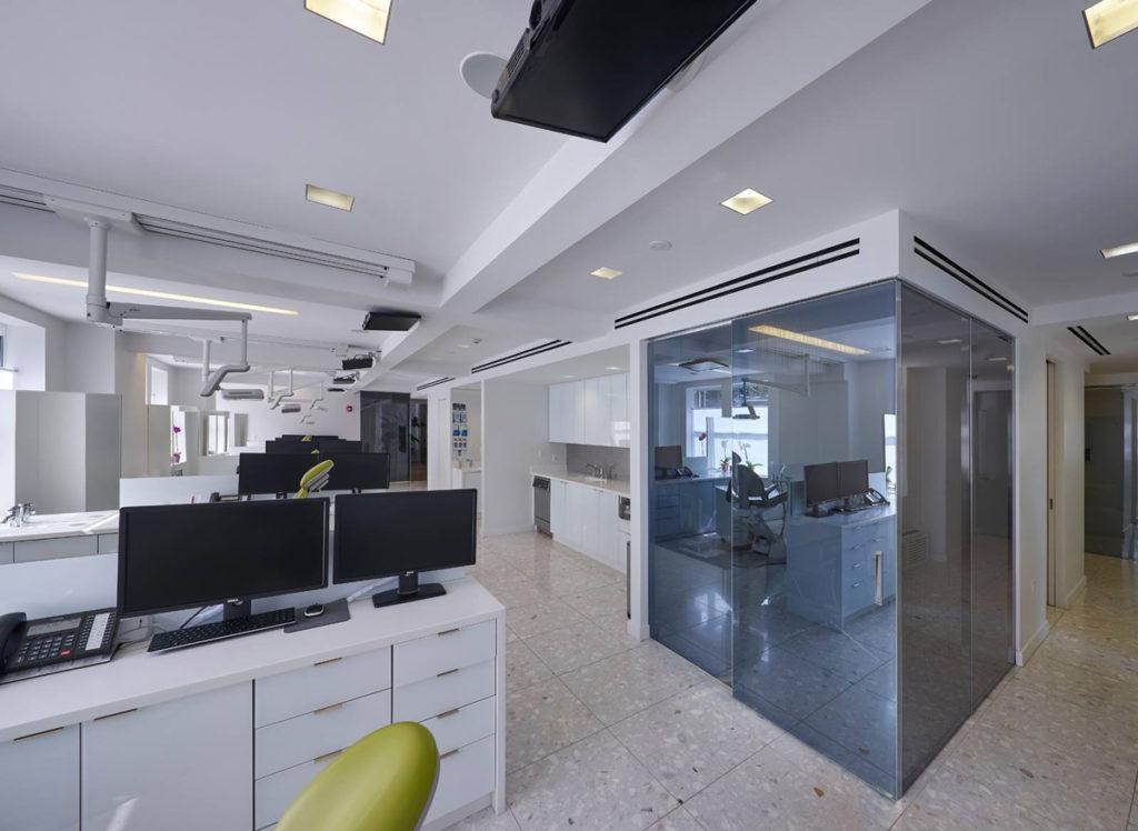 Zelari_arquitectura-de-interiores_proyectos-de-interiorismo-Madrid_puertas-de-paso-de-lujo